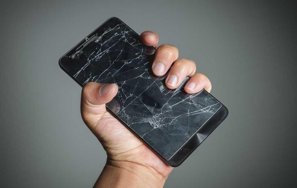 8c689810210 Μια κατά λάθος εφεύρεση δίνει τέλος στις σπασμένες οθόνες των κινητών