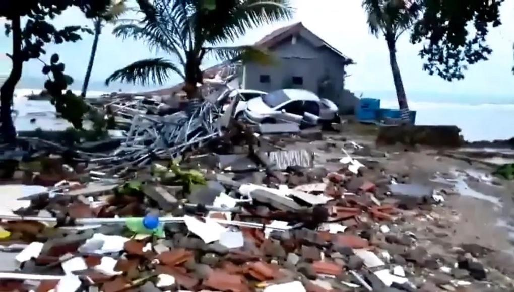 Indonesia_tsunami_Dec_2